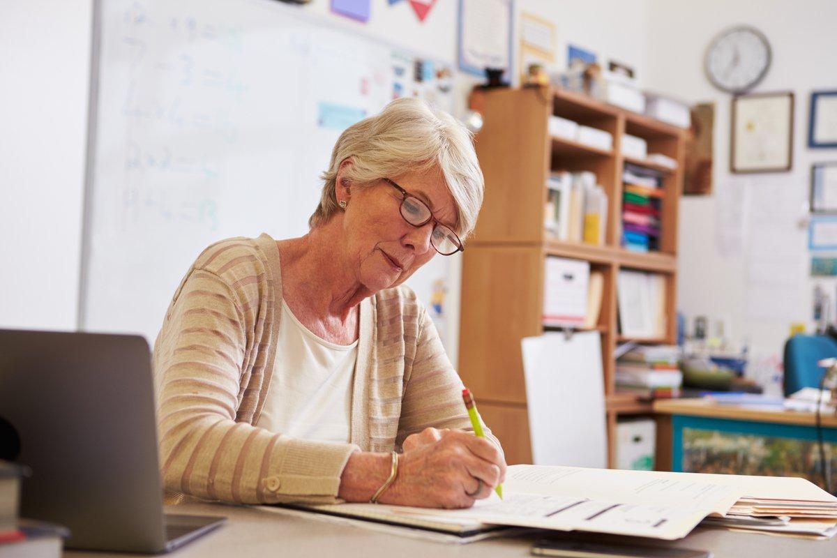 Пенсии работающим пенсионерам с 1 января 2019 года | новый закон